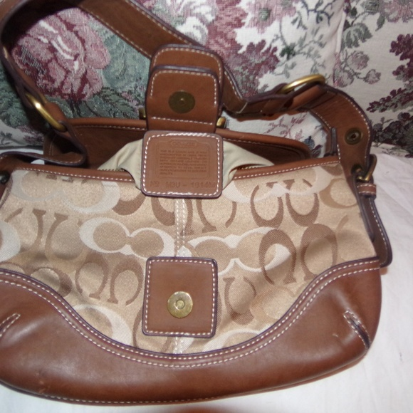 Coach Handbags - Coach hand bag (small)